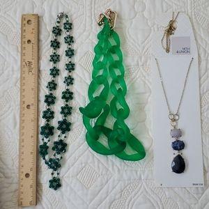 Jewelry - Set of necklaces.